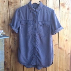 Banana Republic Men's Gray Short Sleeve Button Up